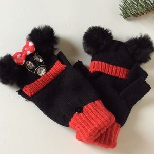 Disney parks authentic mittens new